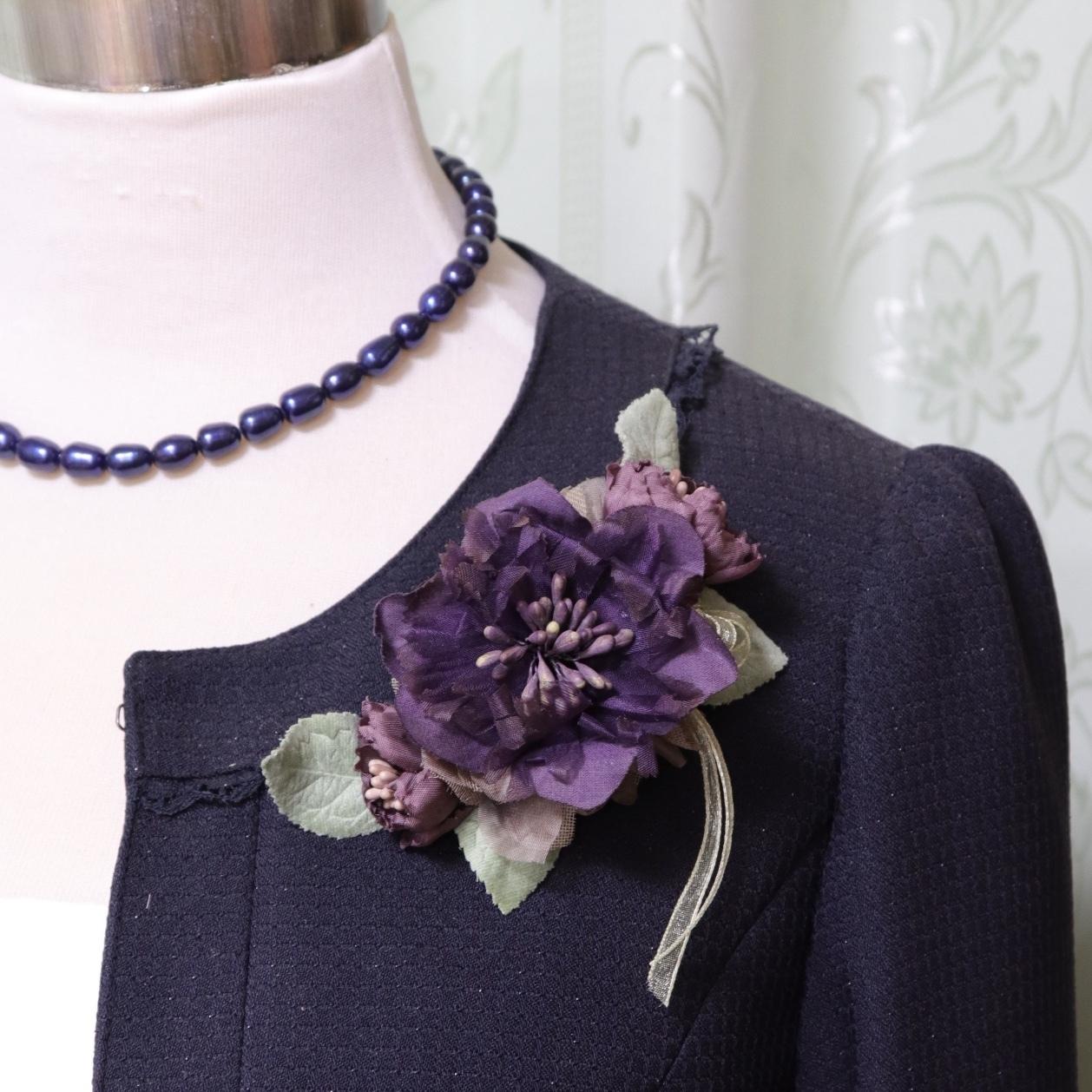 職人さん手染め 紫のクレセントコサージュ 卒業式・入学式を華やかに。