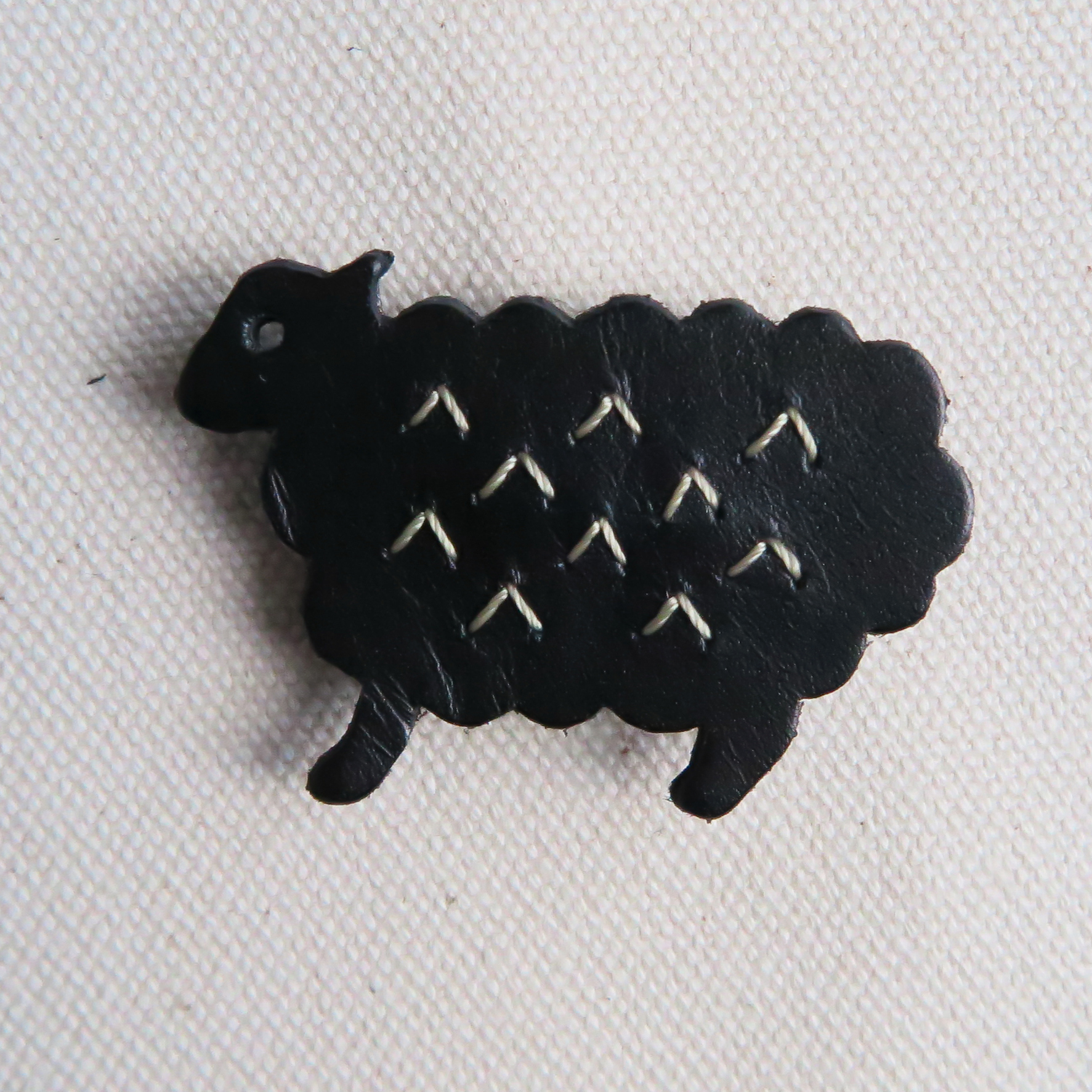 Leather brooch sheep BLACK