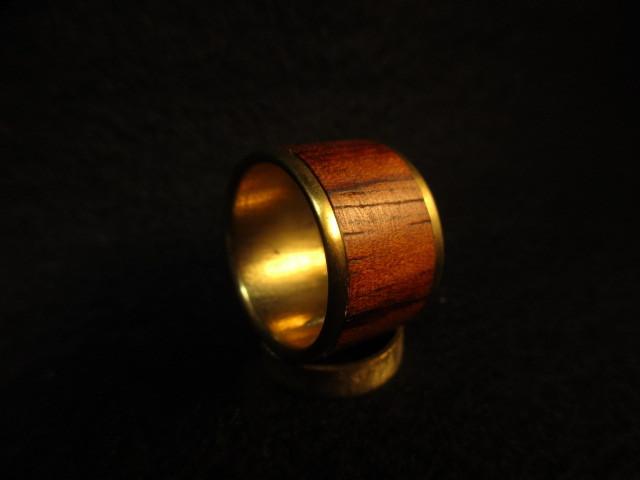 木と真鍮の指輪 ブビンガ 象嵌リング 大
