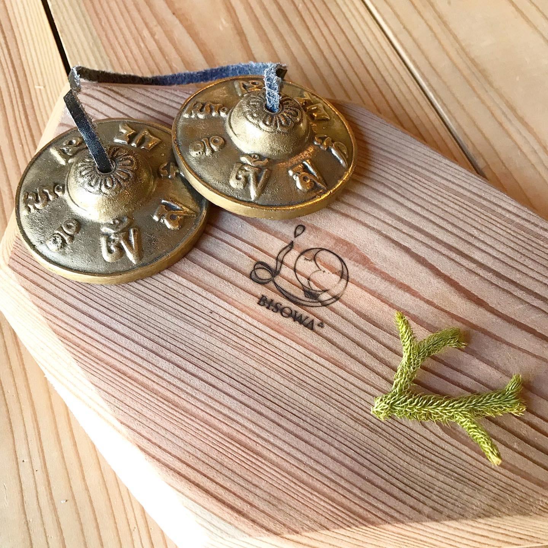 ティンシャ(チベタンシンバル)《オムマニ柄》