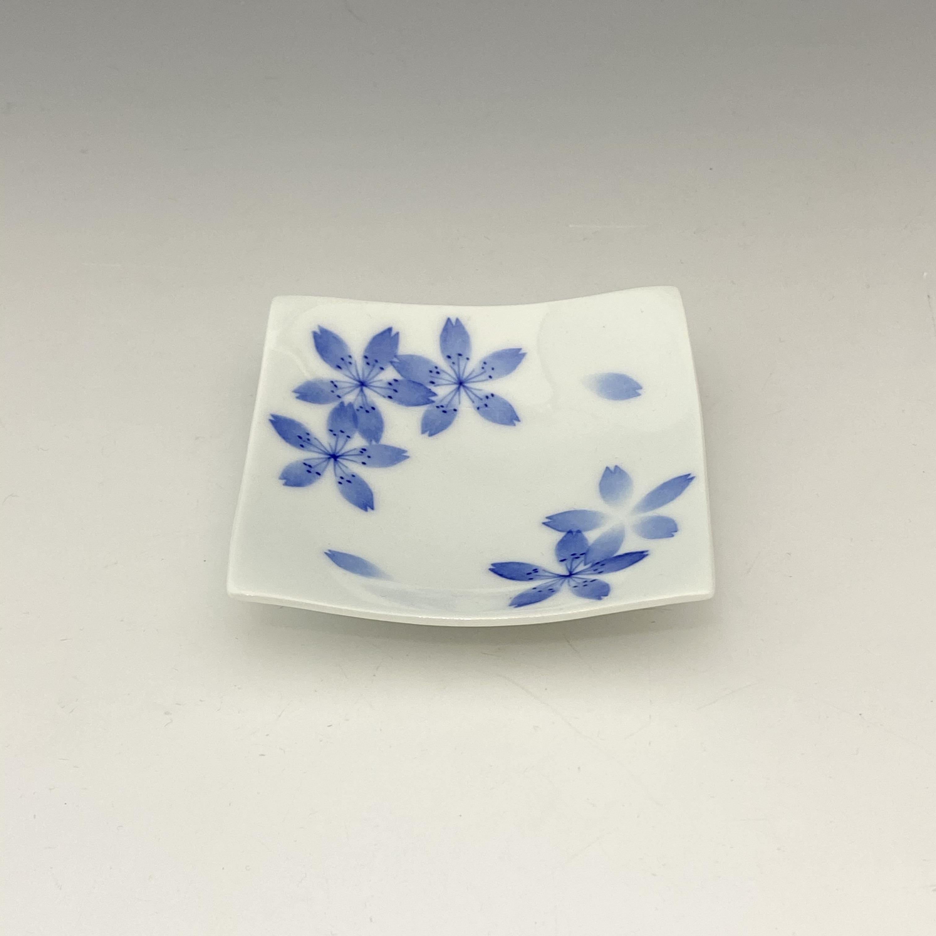 【中尾英純】和紙染桜文角小皿