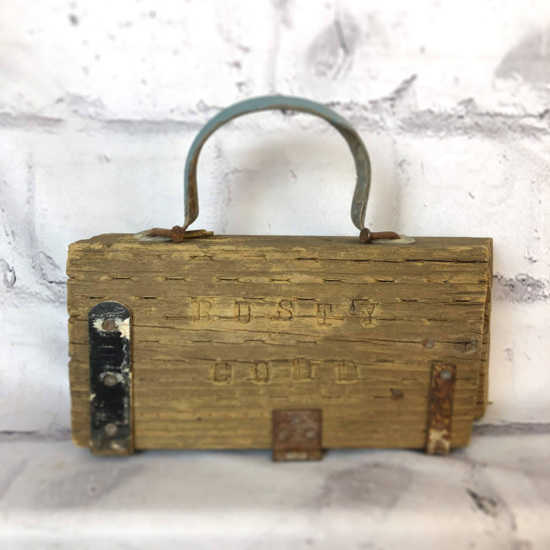 品番0808 枕木看板 ウッドサイン 木製 取っ手付き インテリア ディスプレイ ヴィンテージ