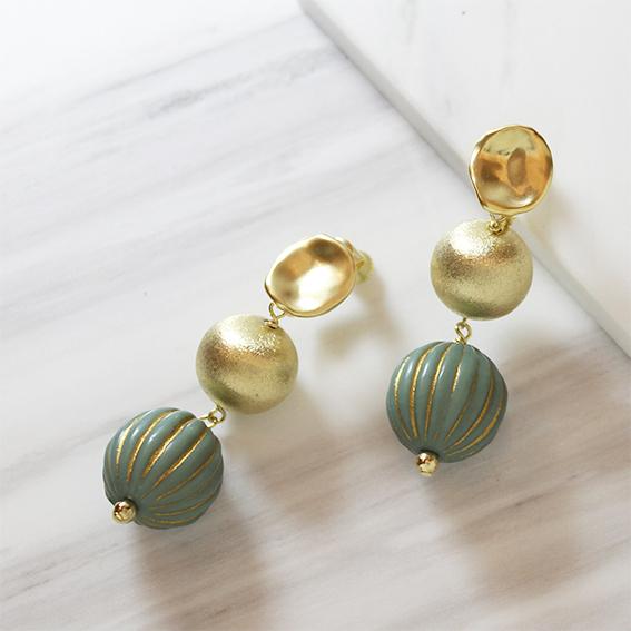 gold&green ballイヤリング
