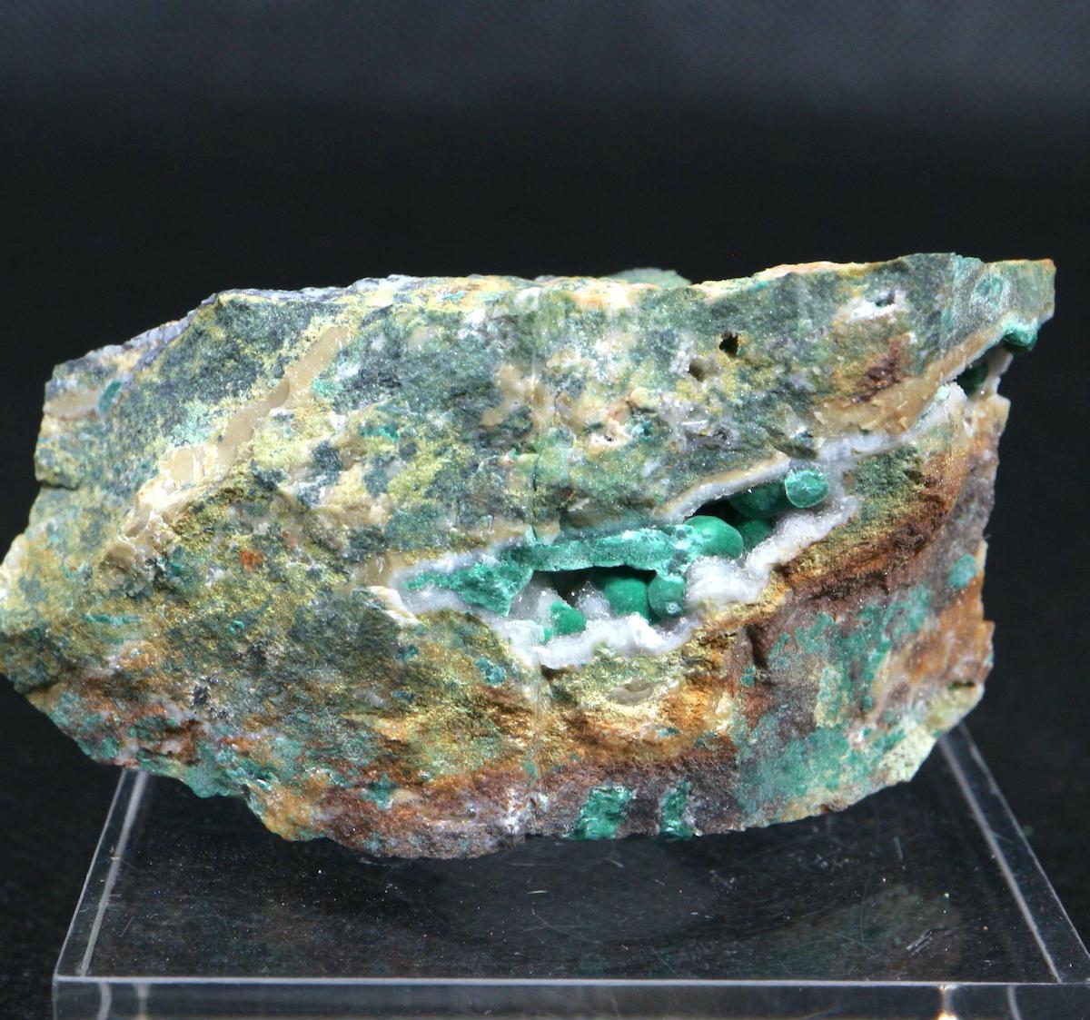 オリーブ銅鉱 Olivenite ユタ州産 61,5g OLV002 原石 天然石 鉱物 パワーストーン