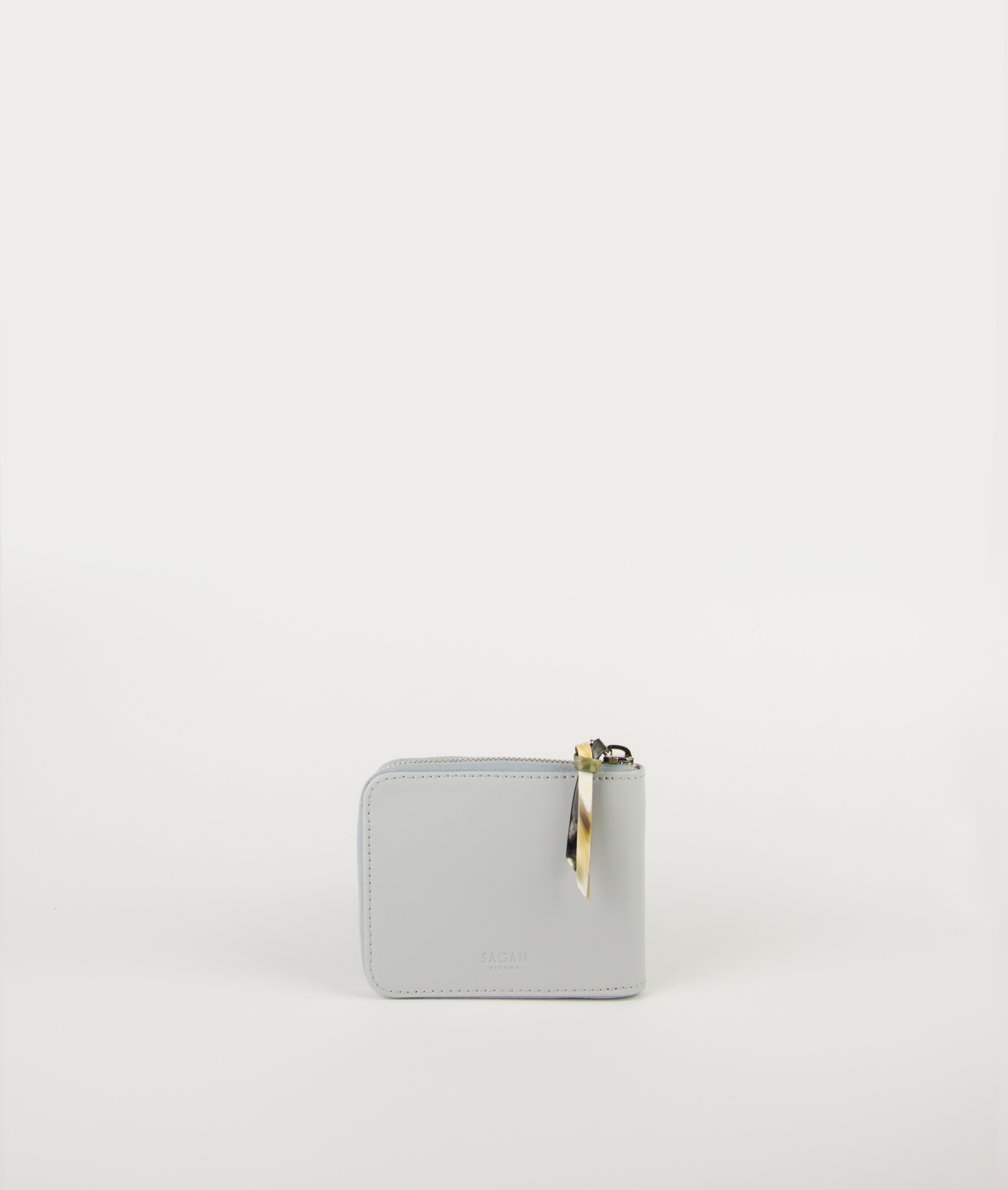 WALLET SQUARE_LIGHT GRAY with HORN PULLER