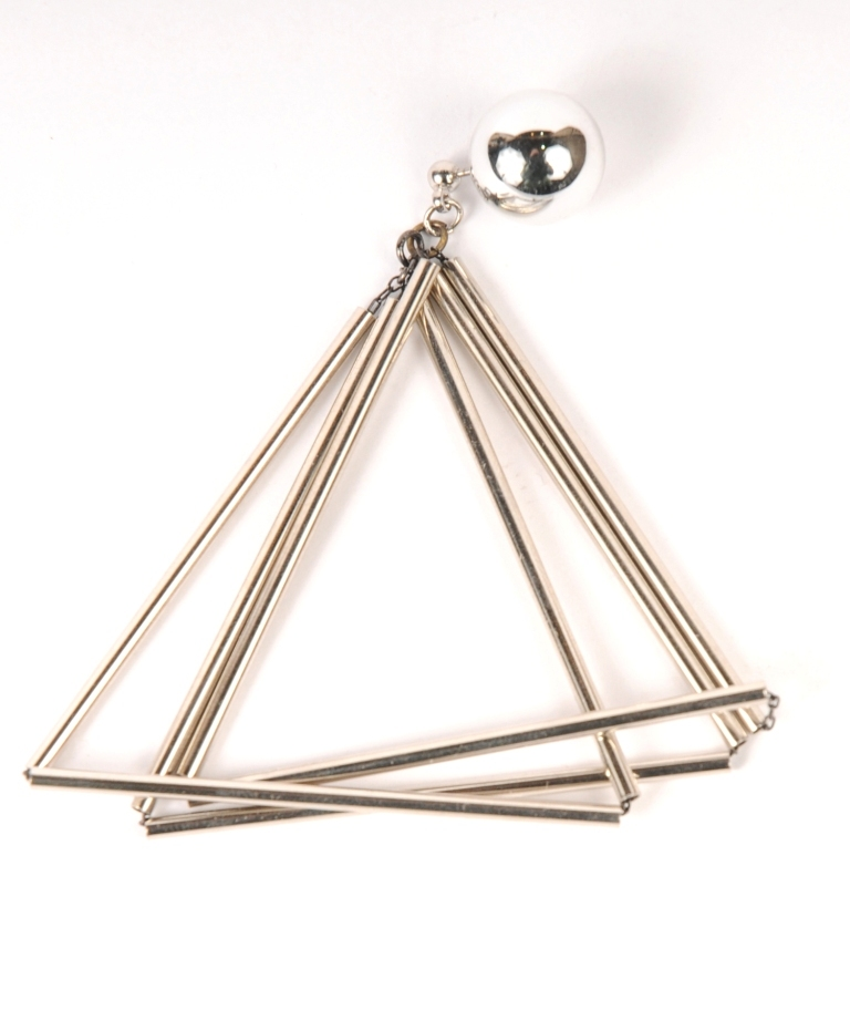 df18SMJ06 PIPE TRIANGLE PIERCE (silver)