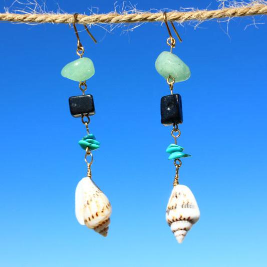ネジマガキ貝とアベンチュリンのピアス ps0057