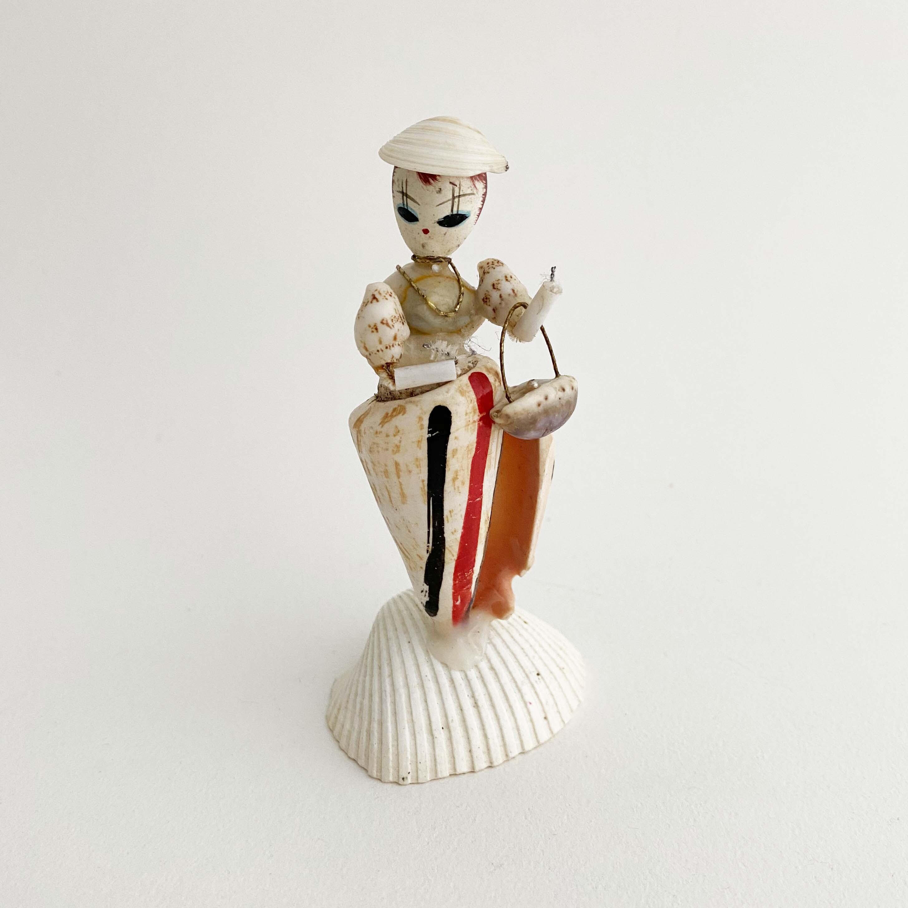 デッドストック昭和 貝人形お嬢さん(イモ貝)