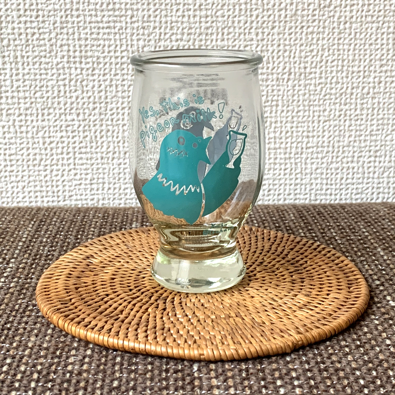 「ハトの般若湯」グラス