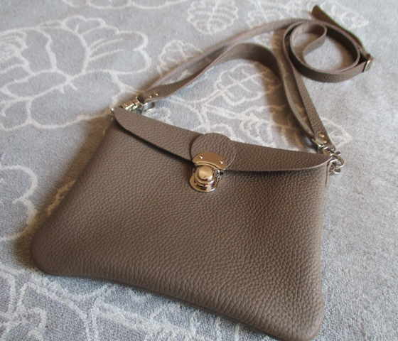 【人気色エトープ】文庫本とお財布持ってちょっとお出かけバッグ(横型)