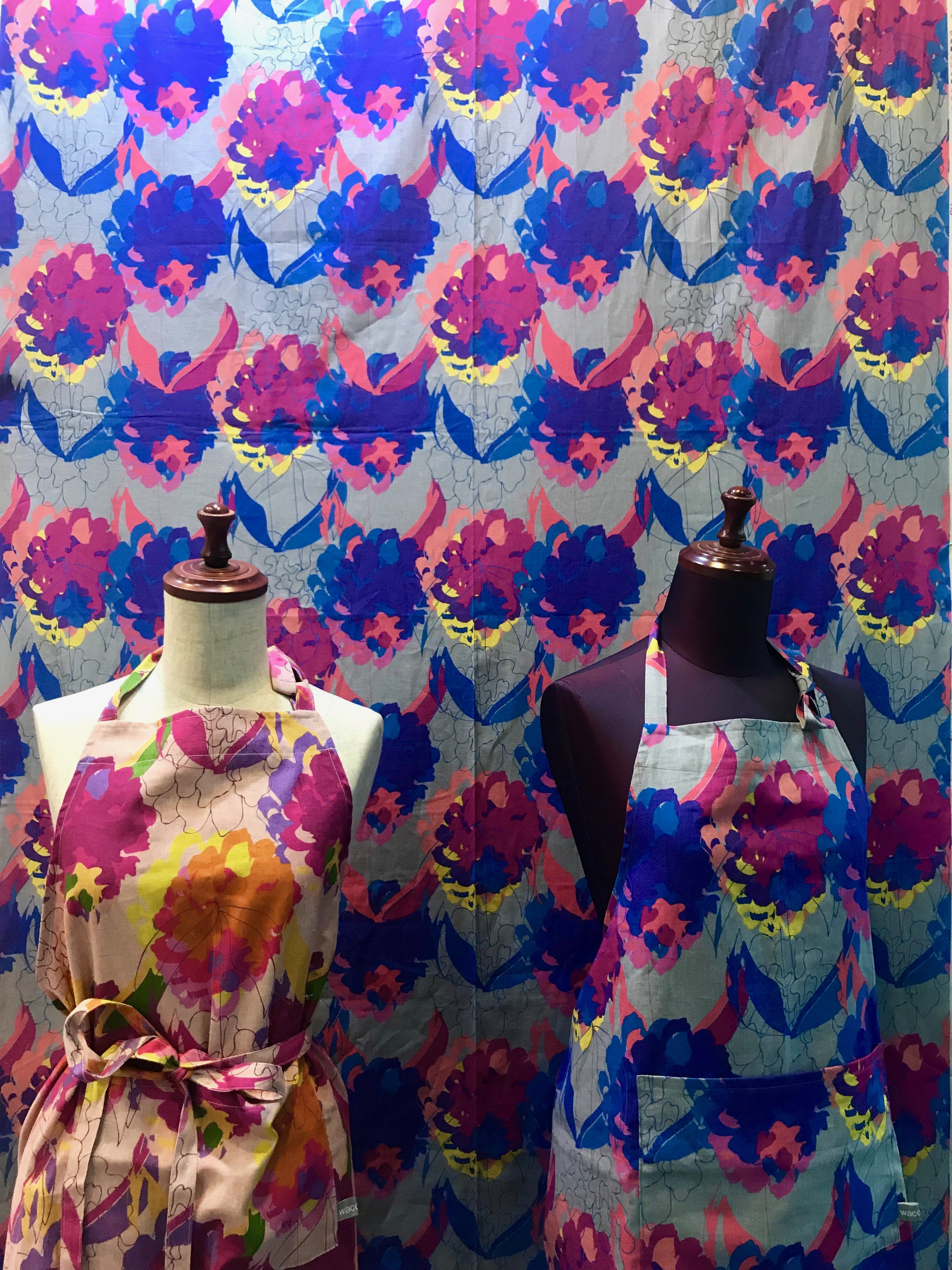エプロン花柄 ピンク・ブルー