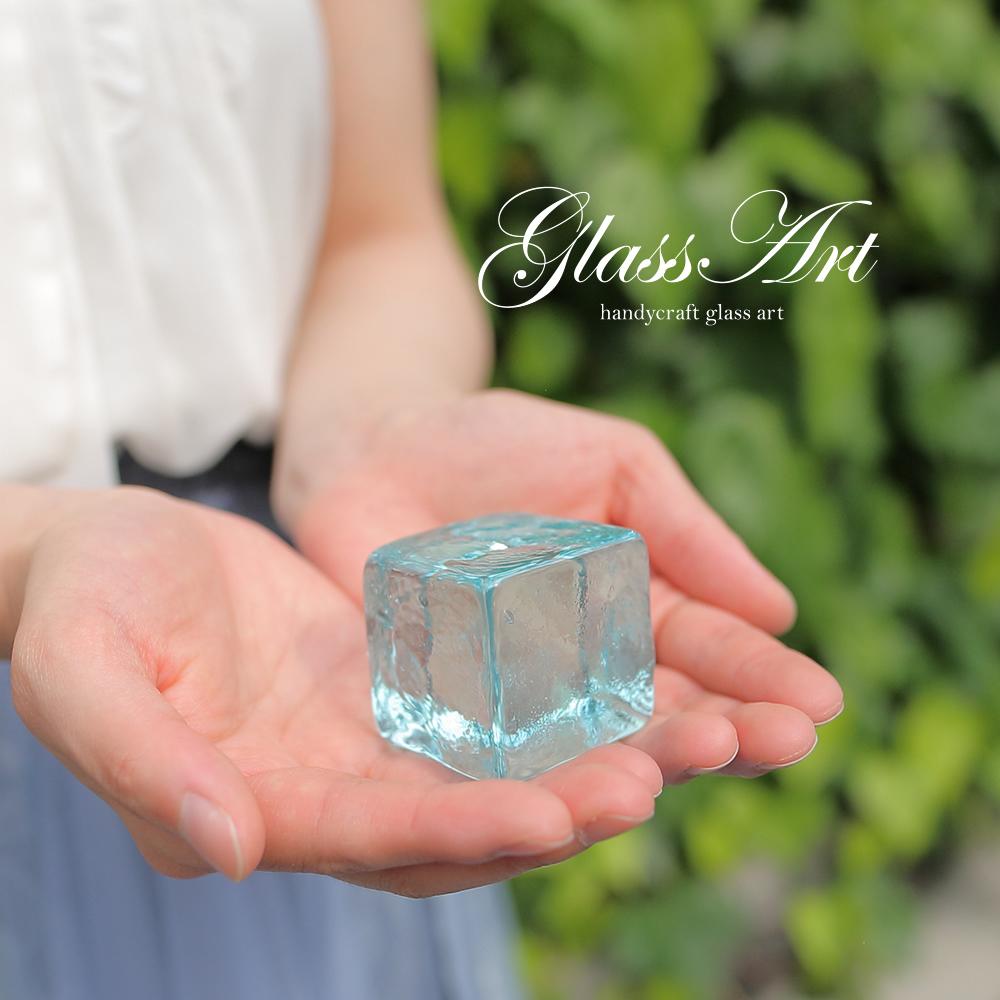 ペーパーウエイト4cm ガラスキューブ リサイクルガラス