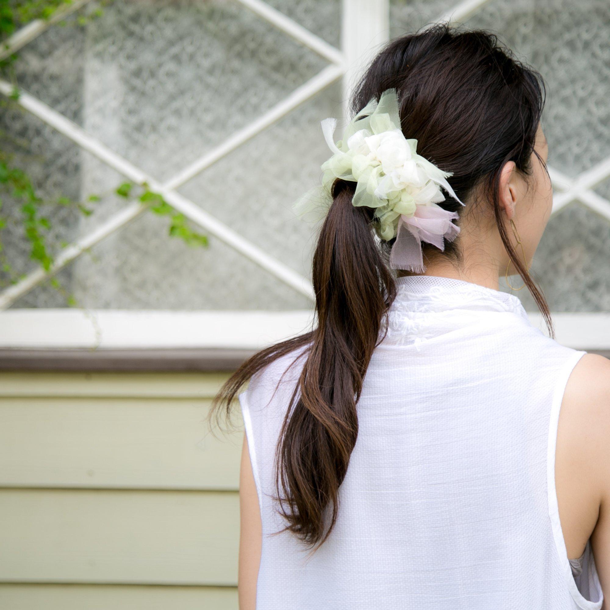 オオデマリ~彩る咲き編みシュシュ