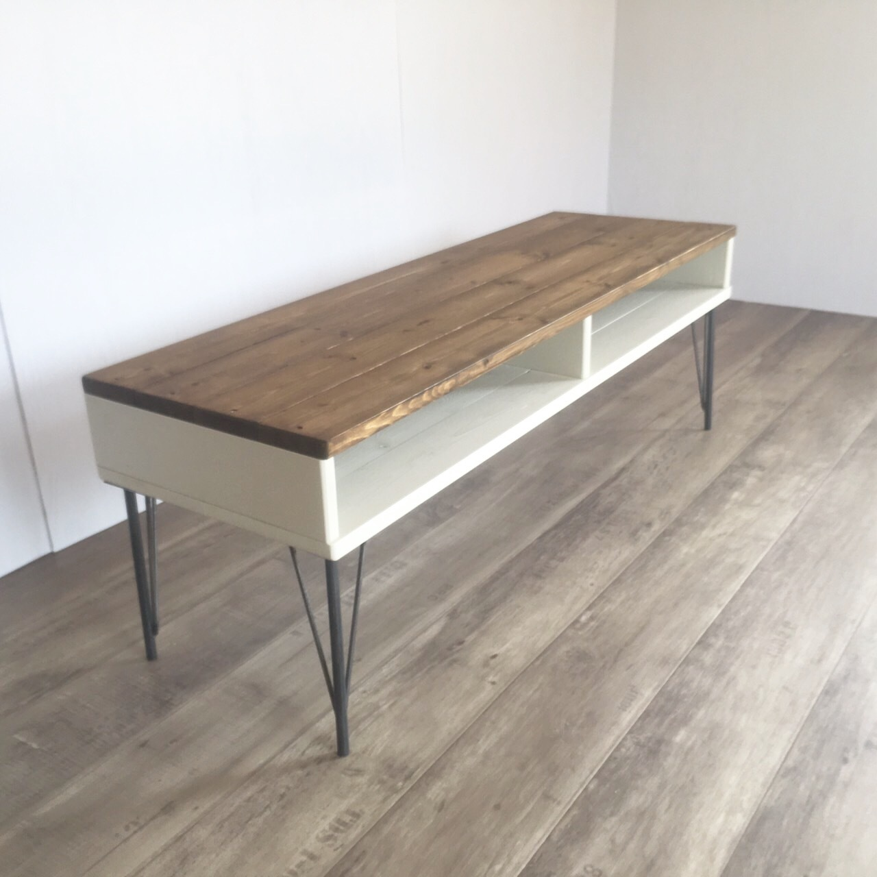 TVboard whitewood