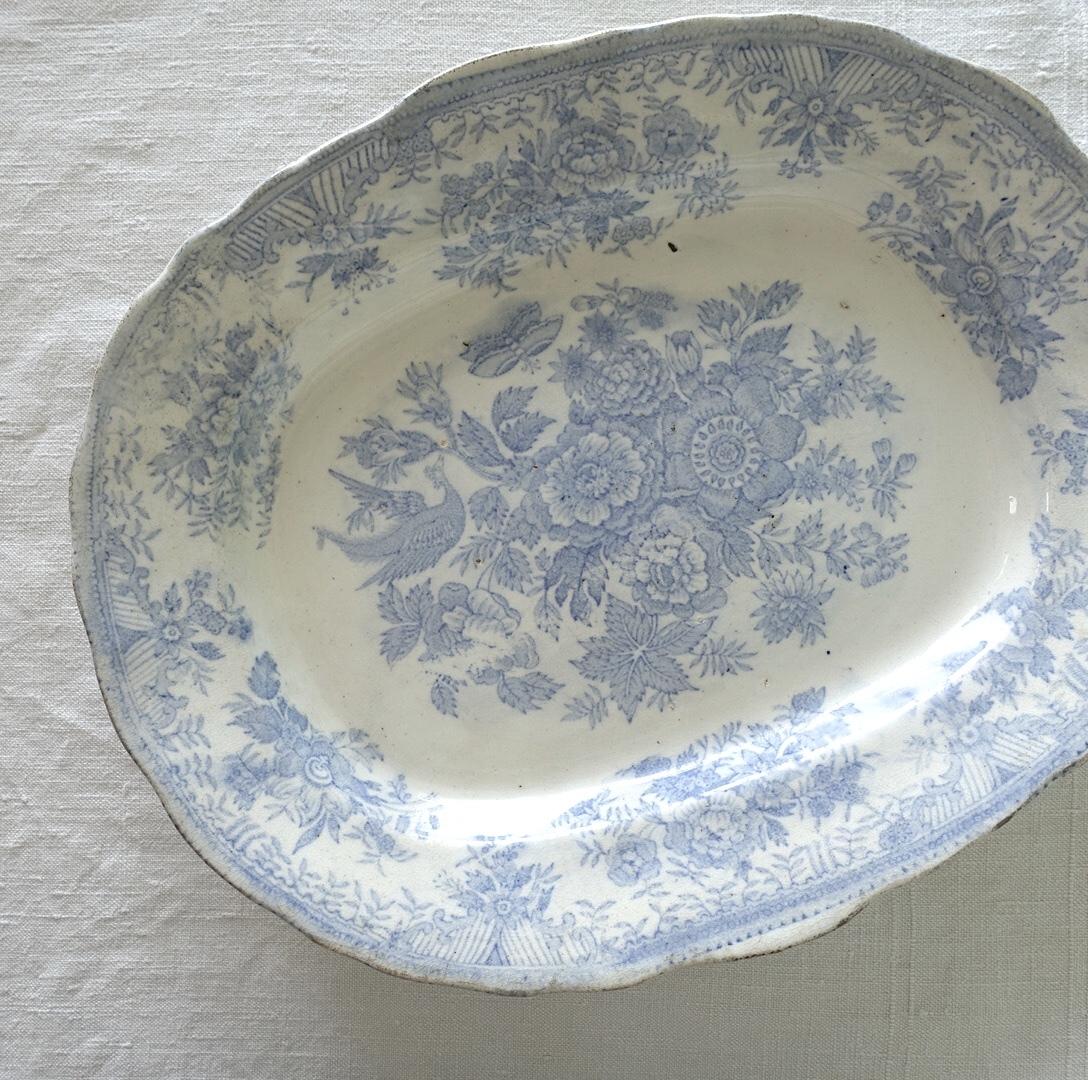 深さのあるフェザンツ柄のオーバル皿