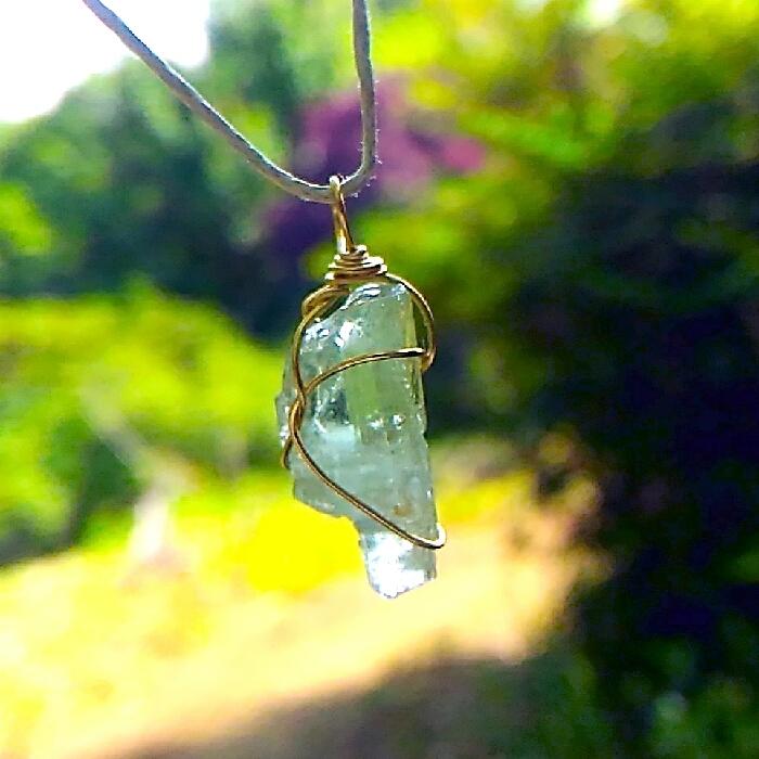 黄緑色◆アクアマリン原石◆ワイヤーラッピング