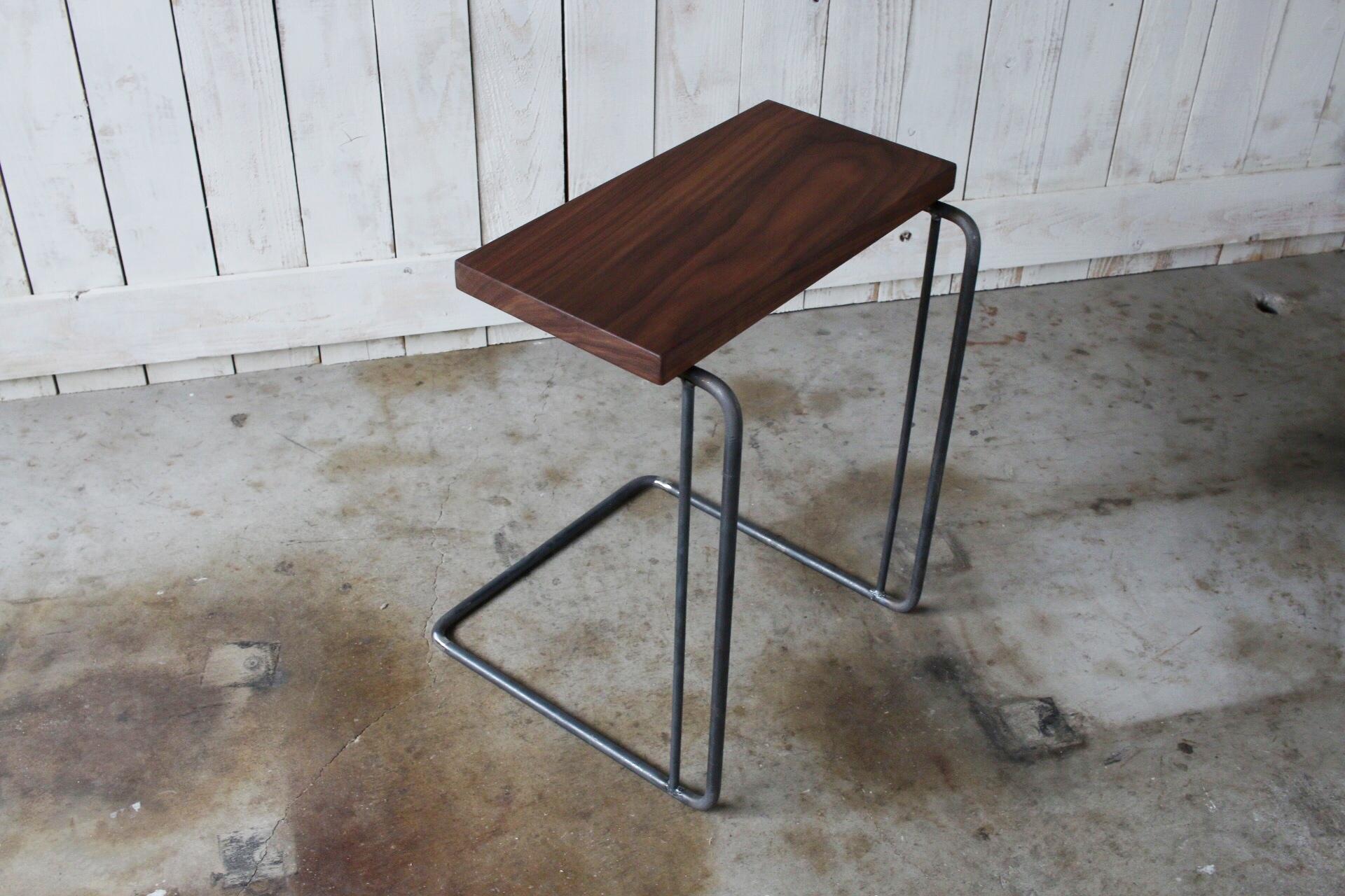 アイアンサイドテーブル ウォルナット無垢材
