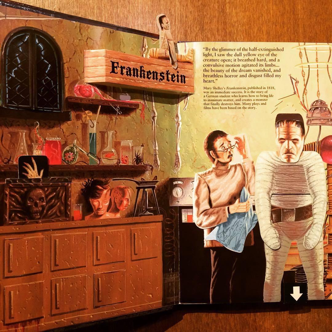 ポップアップ絵本「A Pull-the-Tab Pop-Up Book of Classic Tales of Horror/Terry Oakes」 - 画像2