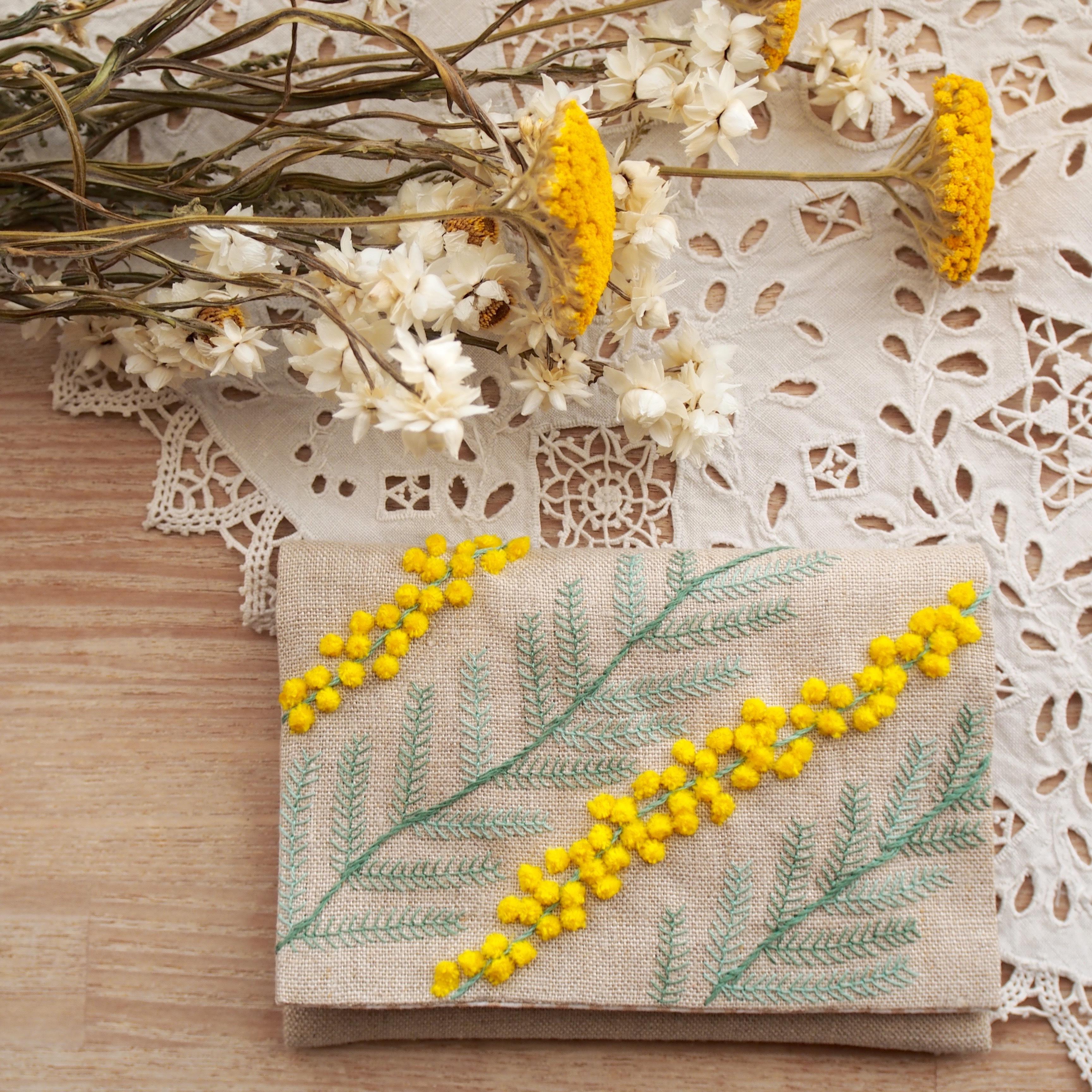 刺繍のキット ミモザのミニポーチ