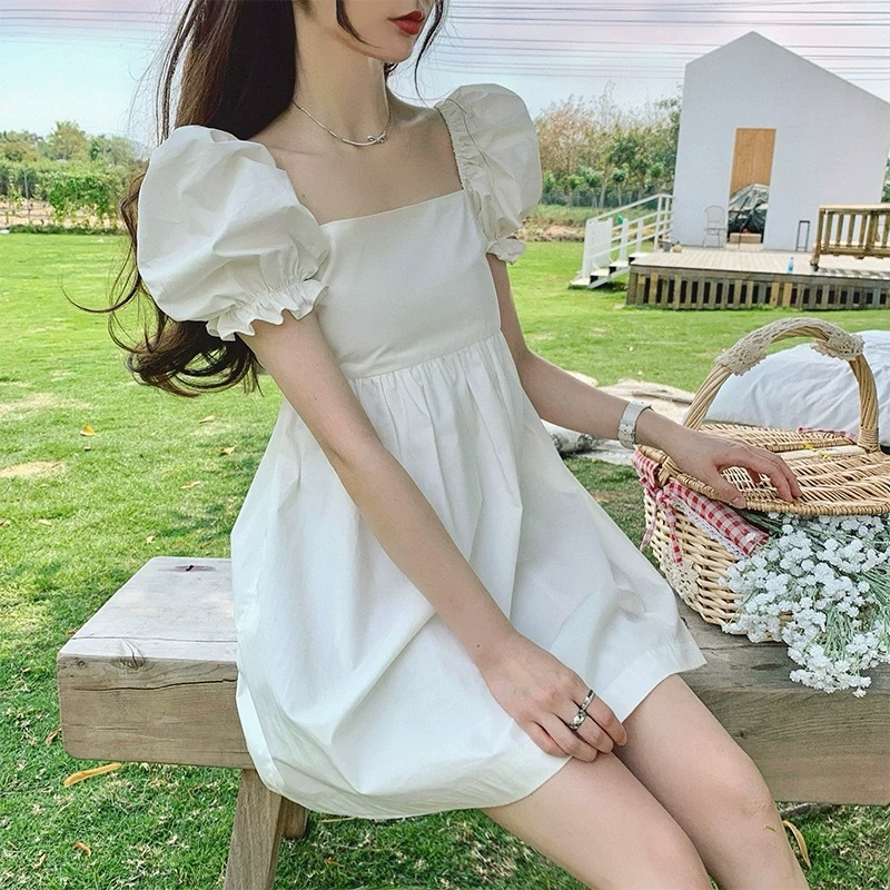 volume sleeve white dress