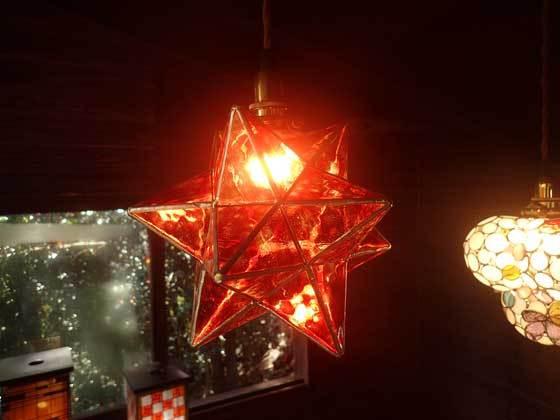 カディスの赤い星(ステンドグラスの吊りランプ)(ペンダントライト) 01010014