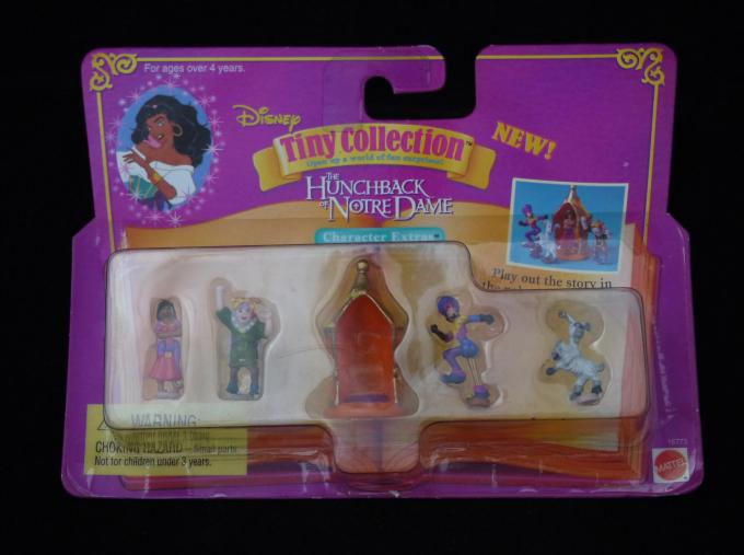 ディズニー ノートルダムの鐘人形セット新品