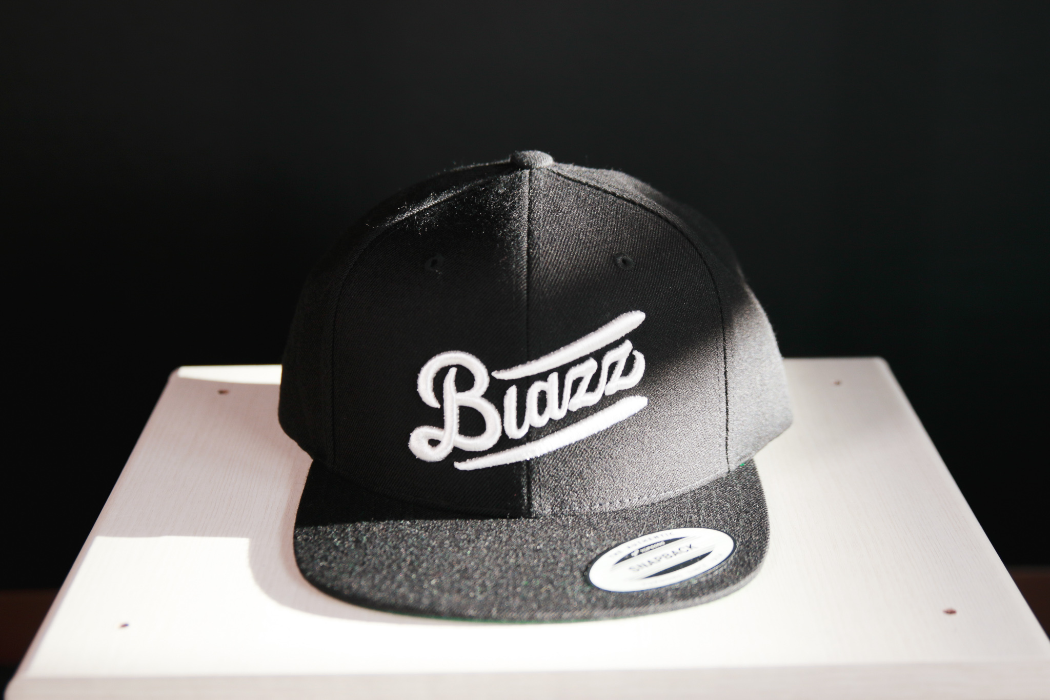 Blunt's Blazz B.B CAP 2020 [BLACK / WHITE]