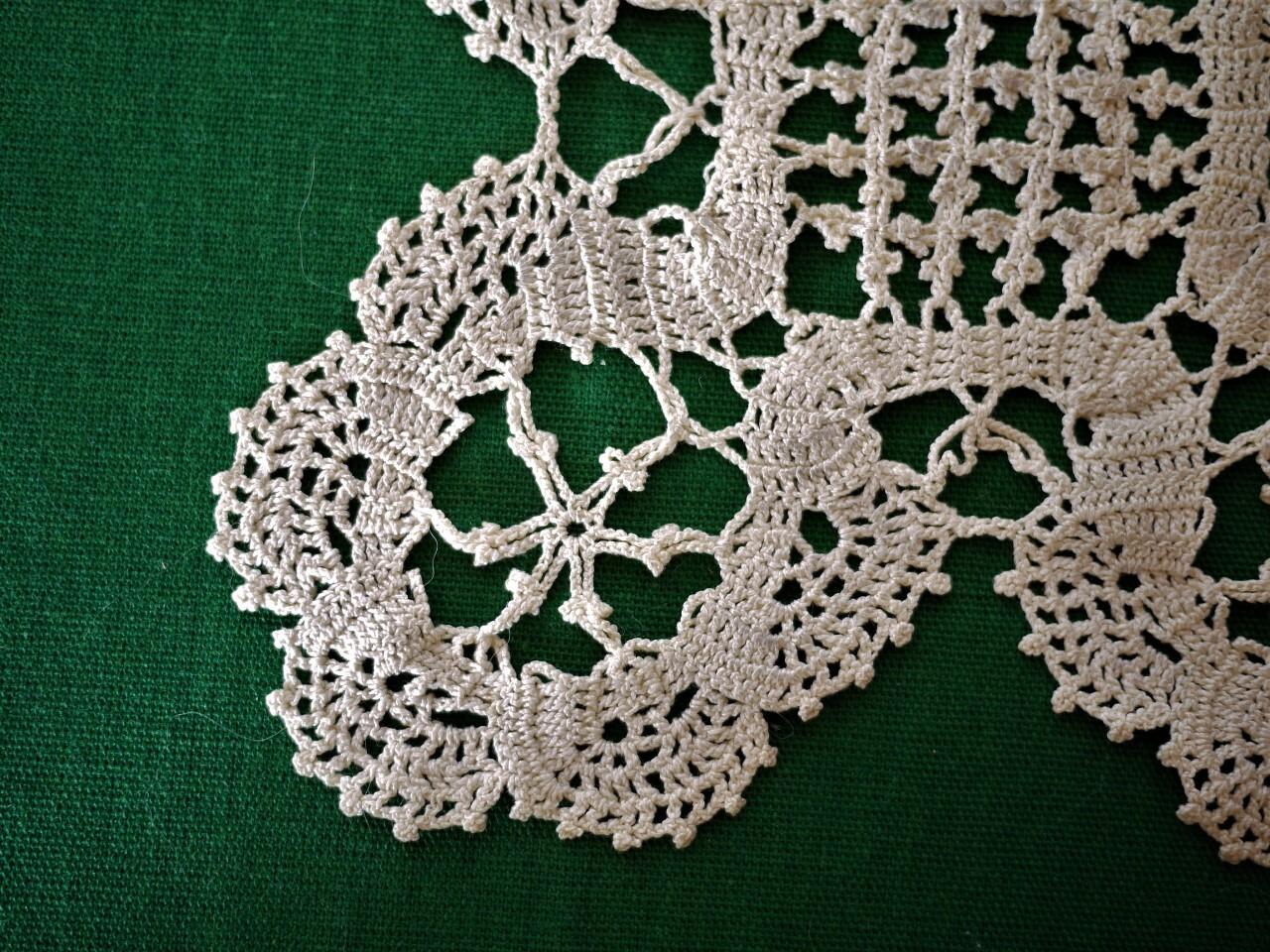 レース編みドイリー モチーフ 花瓶敷き オフホワイト 手編みクロッシェ編み物レース