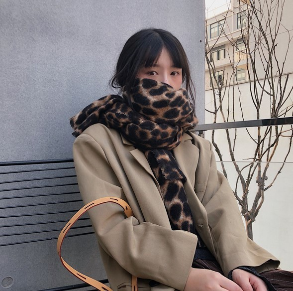 【送料無料】いつものコーデにプラス♡ レオパード柄 マフラー カシミア