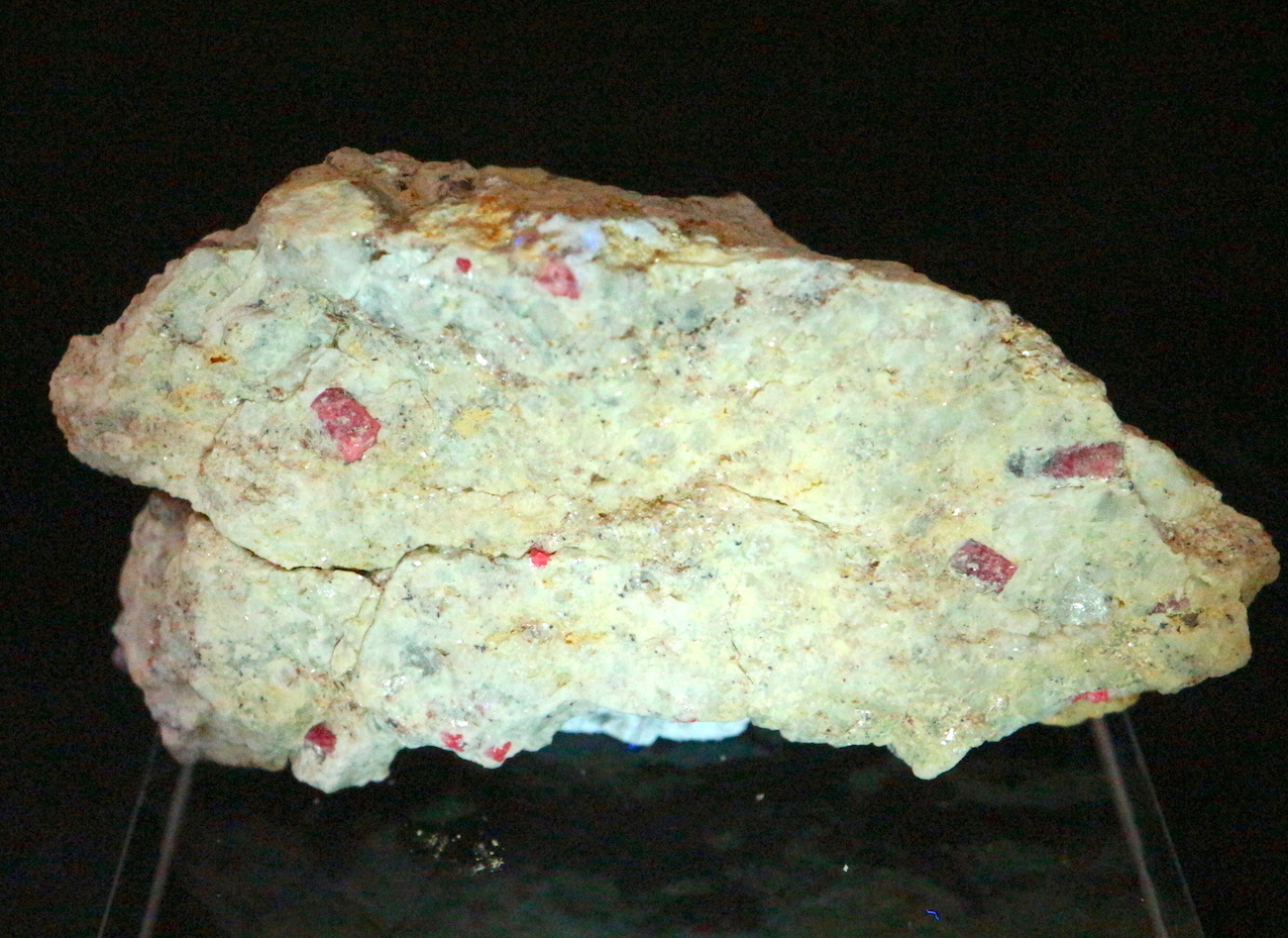 カリフォルア産 コランダム ルビー サファイア 原石  119,2g RB023 鉱物 天然石