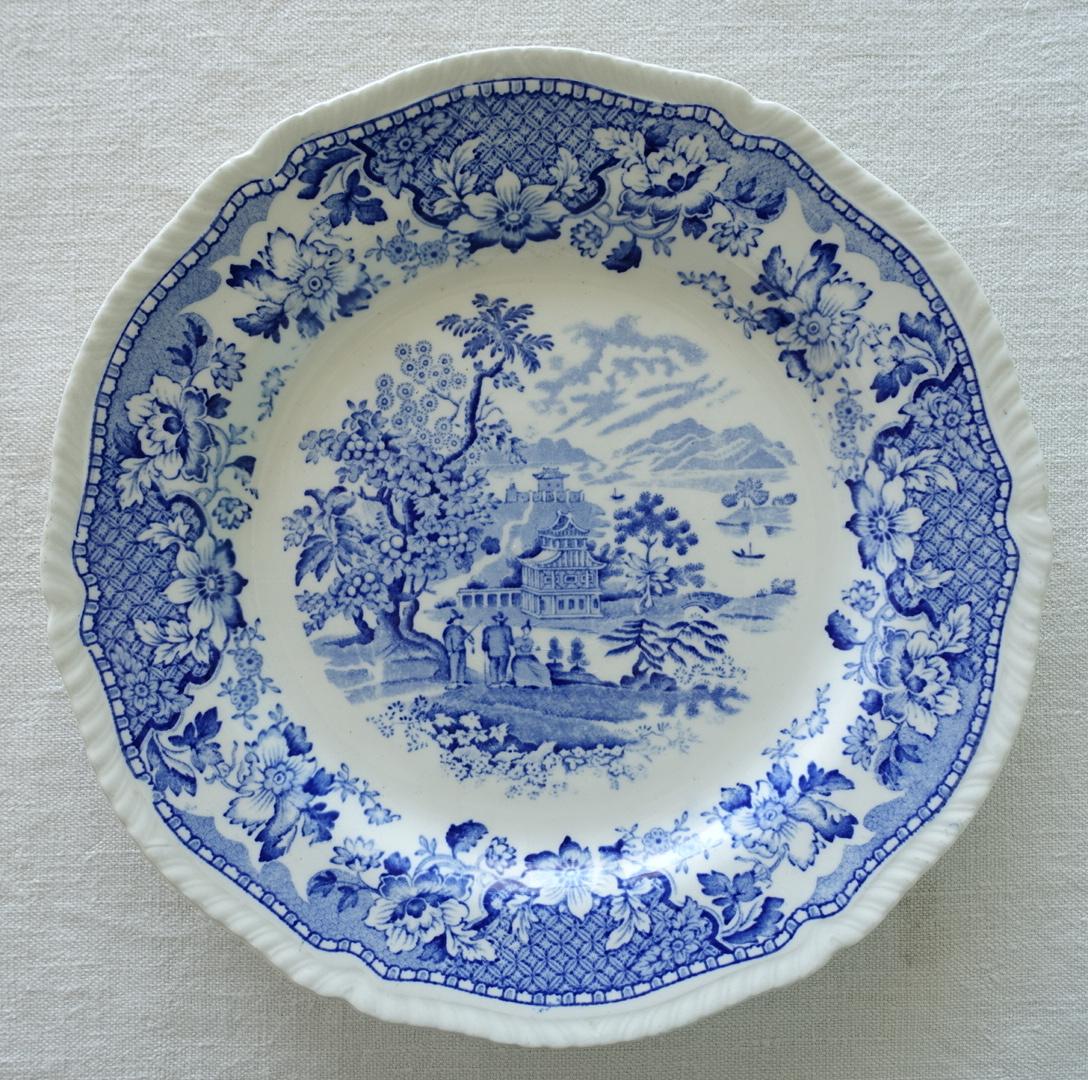 ロマンティックな青いお皿 25cm
