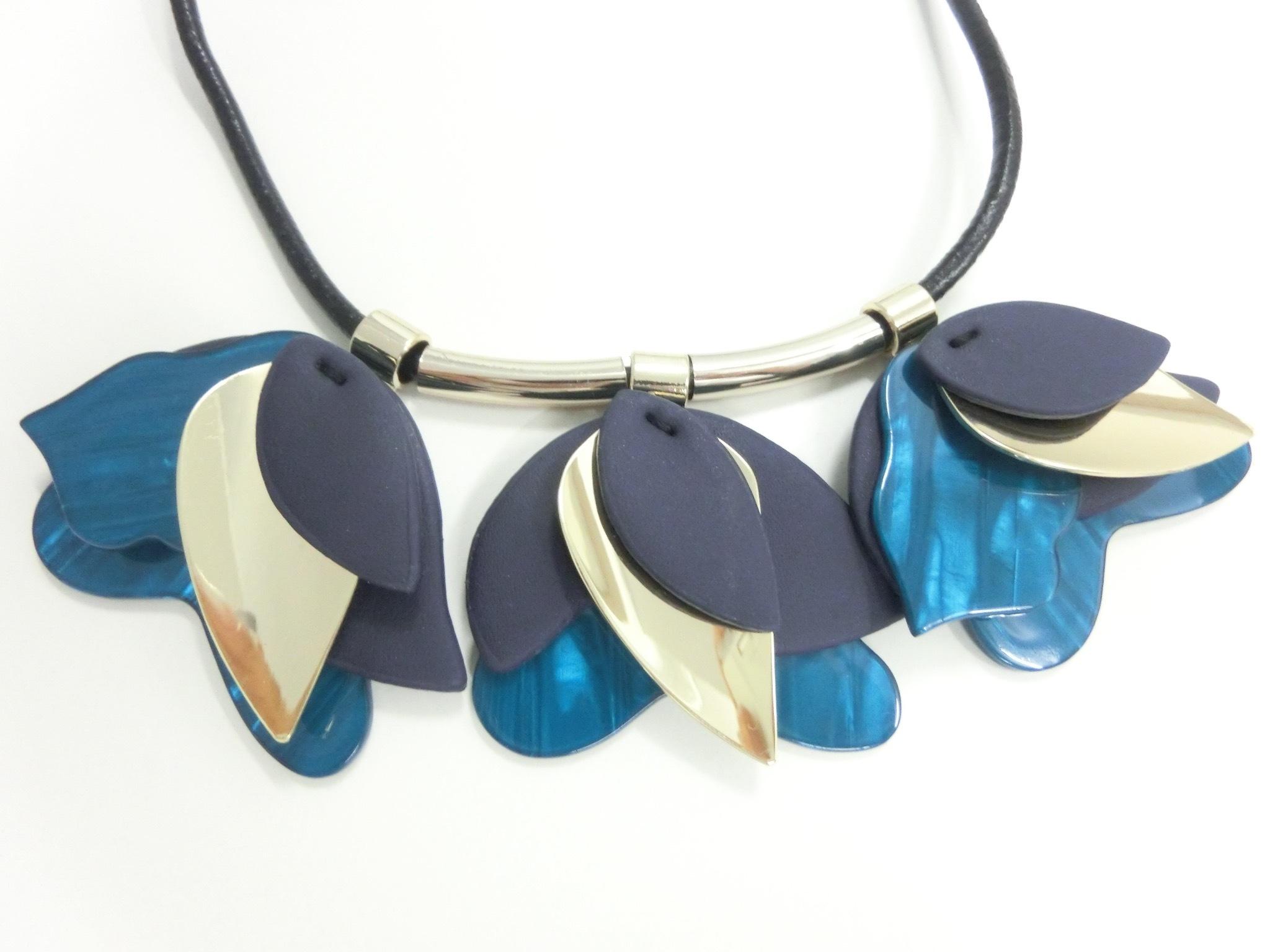 【 UNSEABLE 】Petal design necklace / Blue