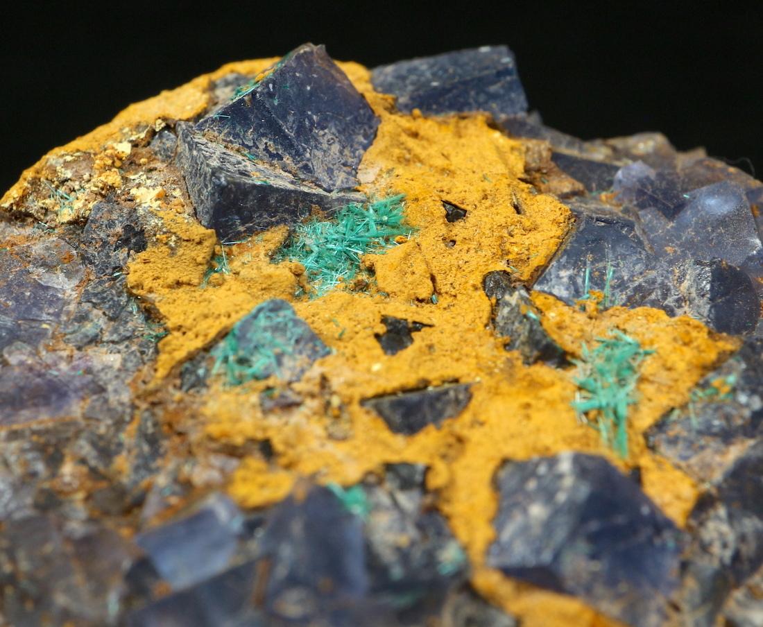 蛍石 + ブロシャン銅鉱 ニューメキシコ州産 原石 84,2g FL052 鉱物 原石 天然石 パワーストーン