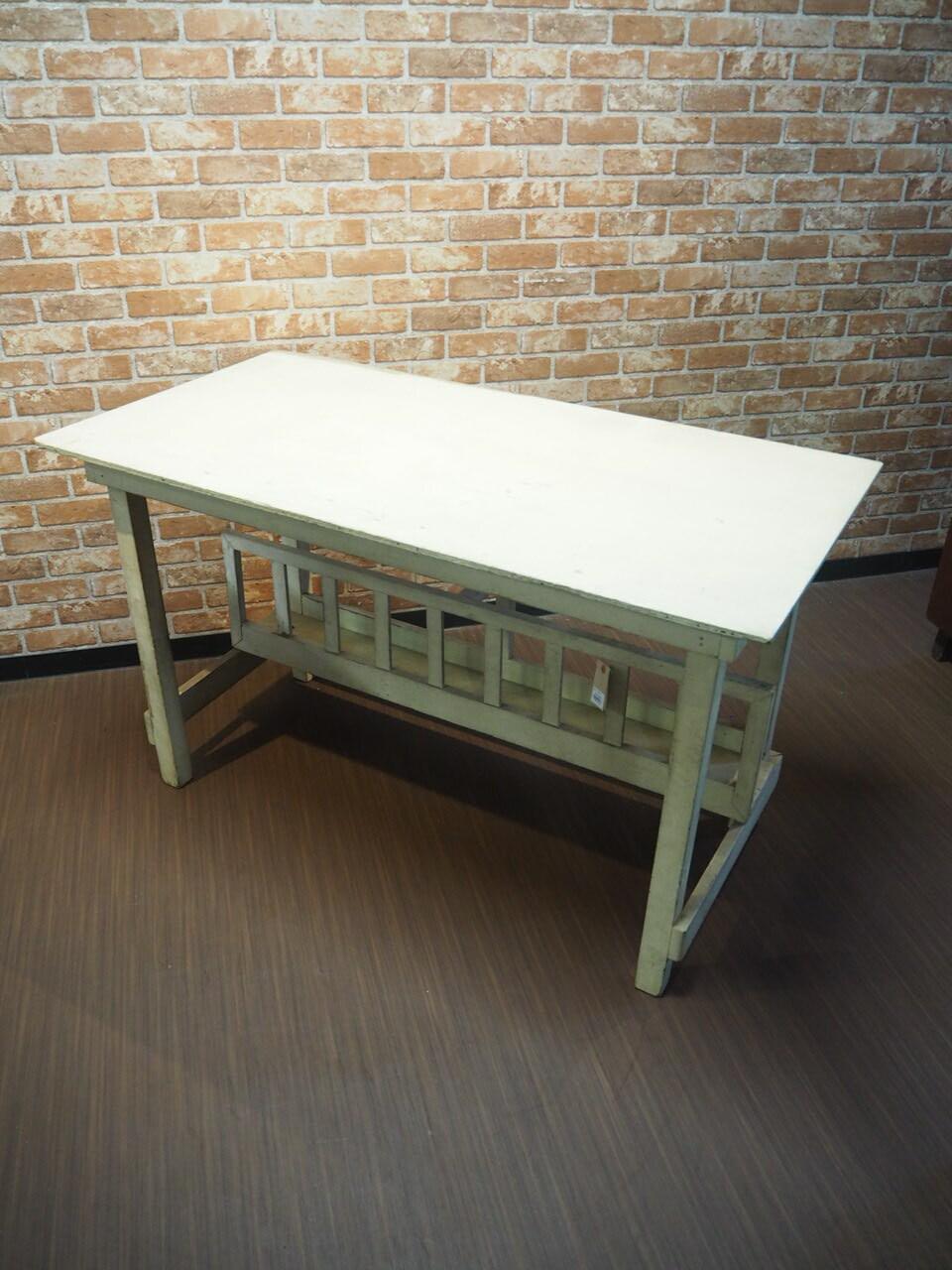 品番0768 机 / Barn Table