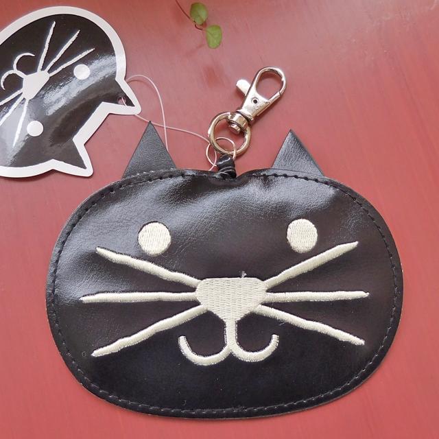 (199) ハナネコちゃん フェイスパスケース リール付き ICカードケース 黒猫の定期入れ 【レターパックライト可】