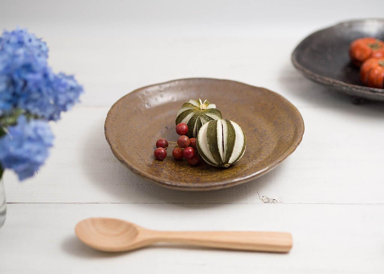 三つ足 中皿 柿茶/鶴田季子