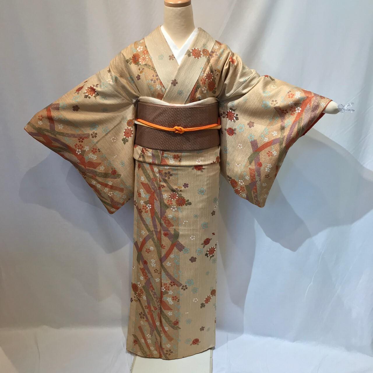 ベージュ花と熨斗目小紋1579と名古屋帯4点セット