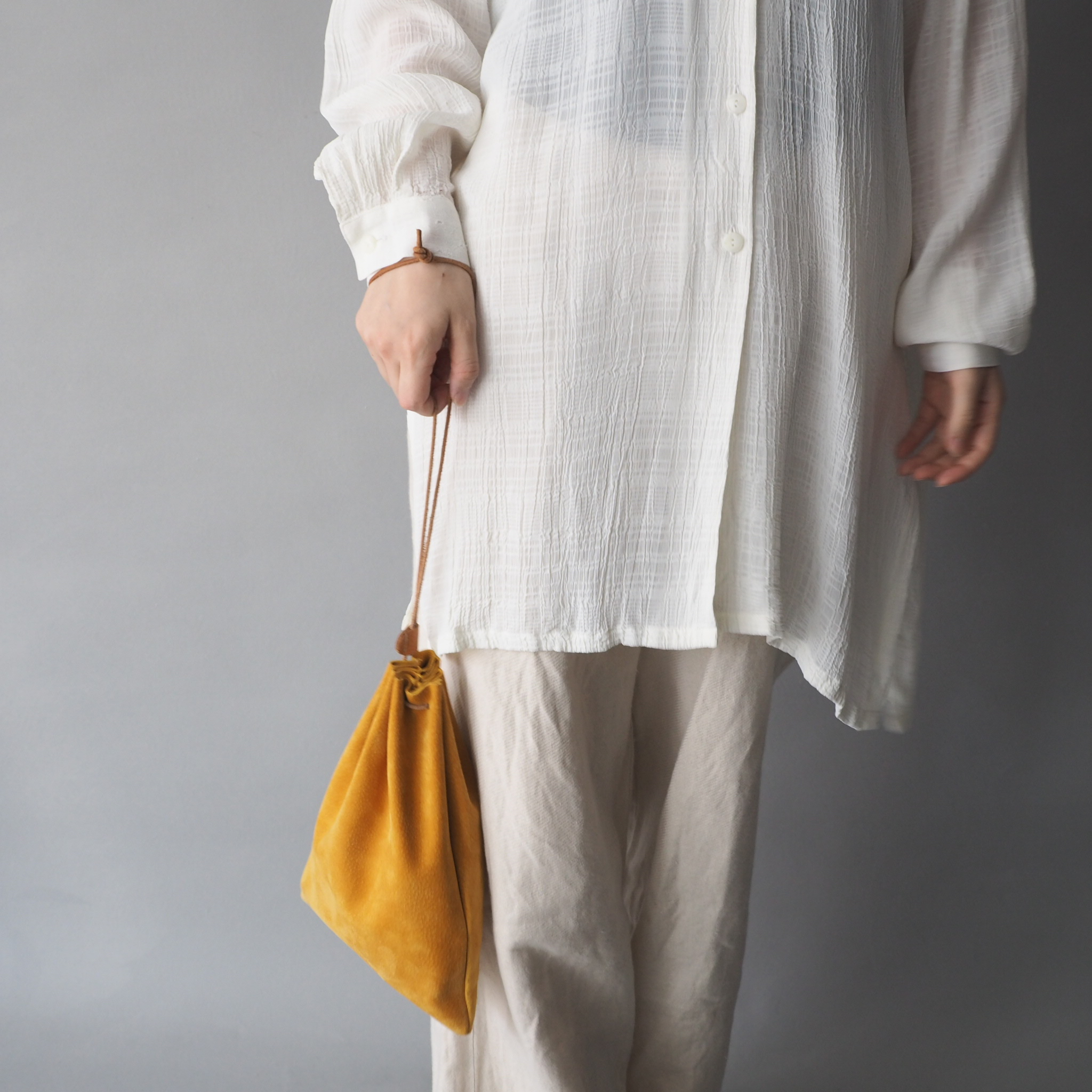 """Utility Bag"" 大人のためのレザー巾着 -カラフルなスウェード - 画像4"