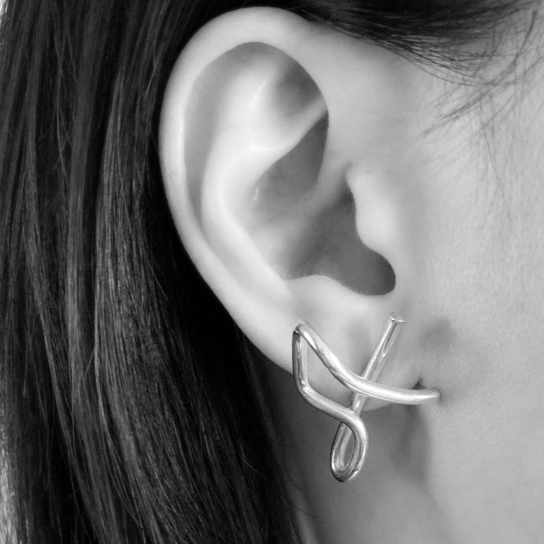 Three beats pierced earrings