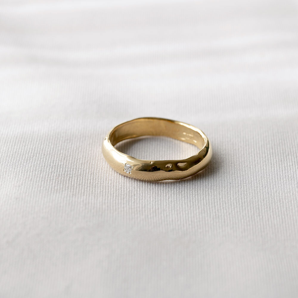 wave / middle ring (gold)