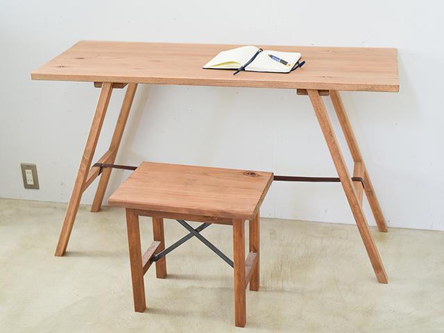 『杉無垢材のナチュラル天板』の組み立て式ワークテーブル