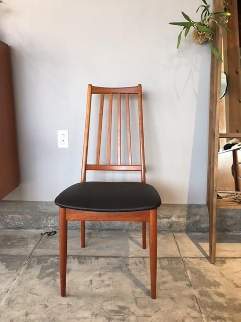 DINING CHAIR   Ⅰ