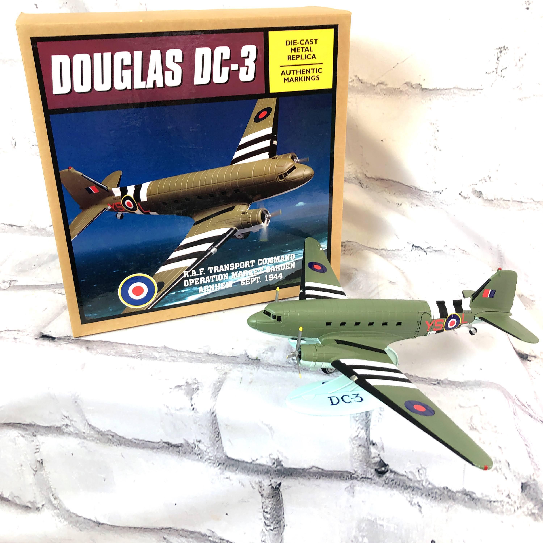 品番3937-1 1/72スケール DOUGLAS ダグラス DC-3 ダコタ 軍輸送機 KG374 航空機用 ダイキャスト リミテッドエディション 011