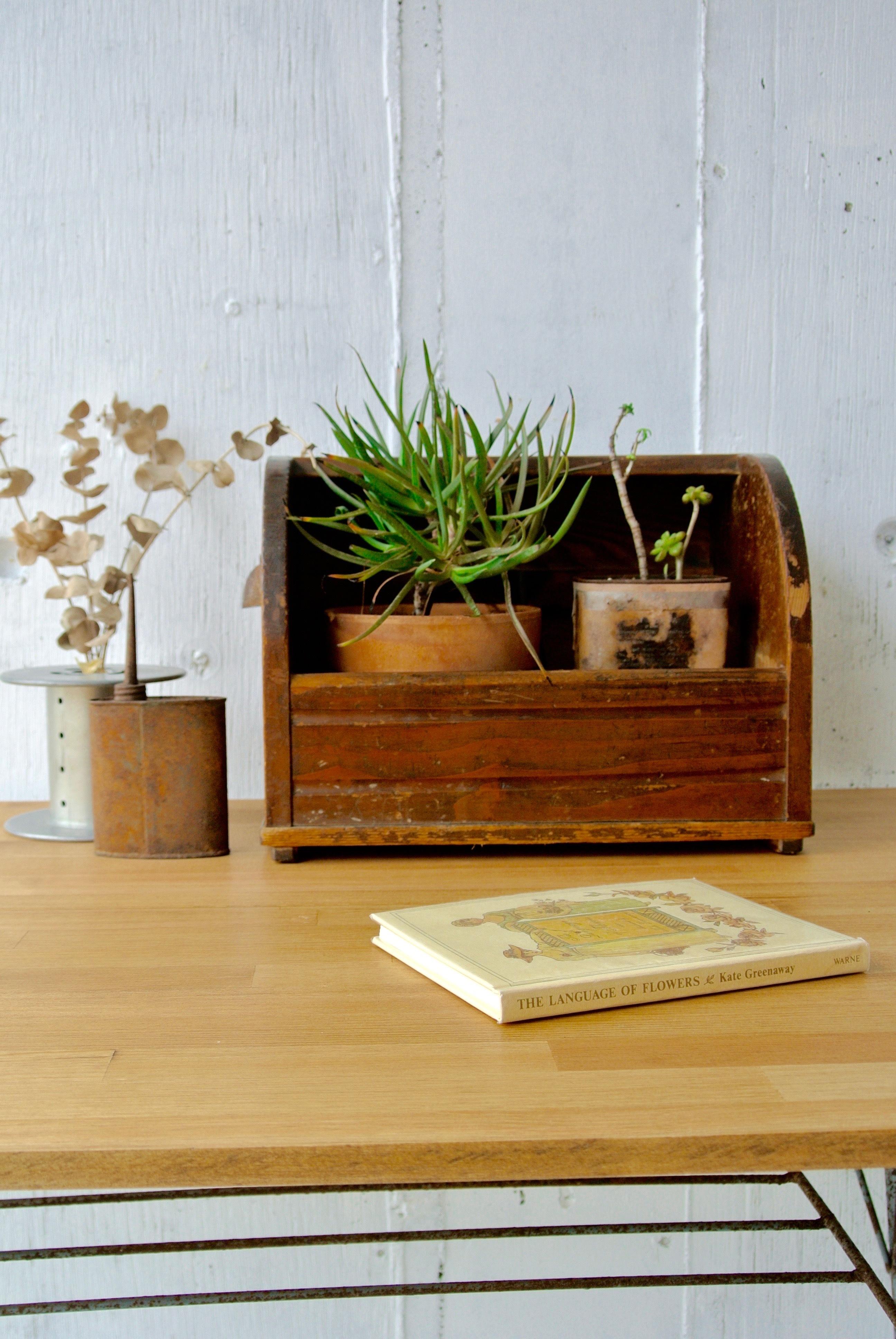 レトロな木味の収納箱[古家具]