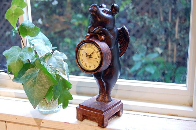ピッグクロック アンティーク調 ぶた置き時計
