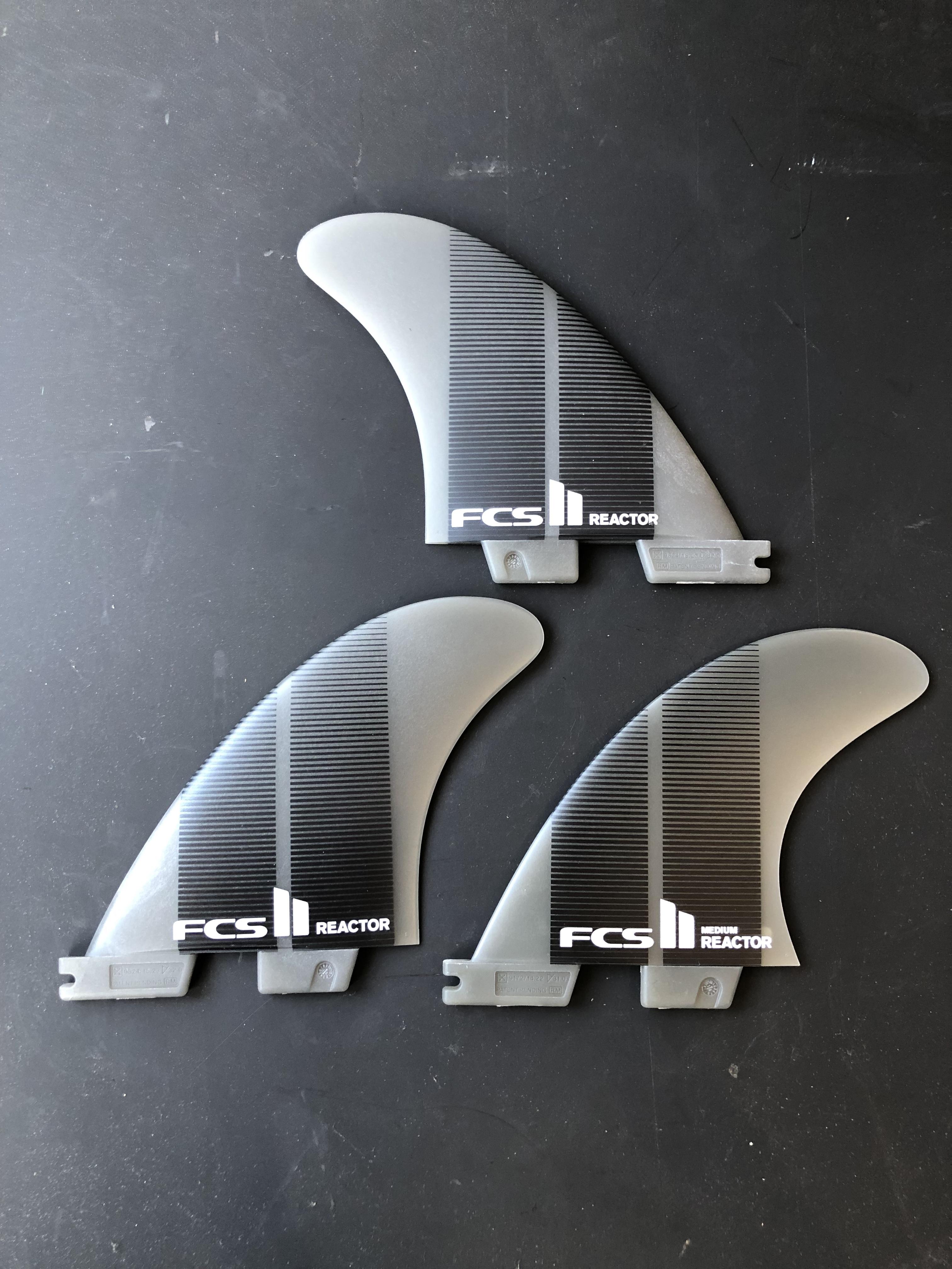 FCS2 フィン REACTOR NEO GLASS ネオグラス リアクター トライフィン Mサイズ