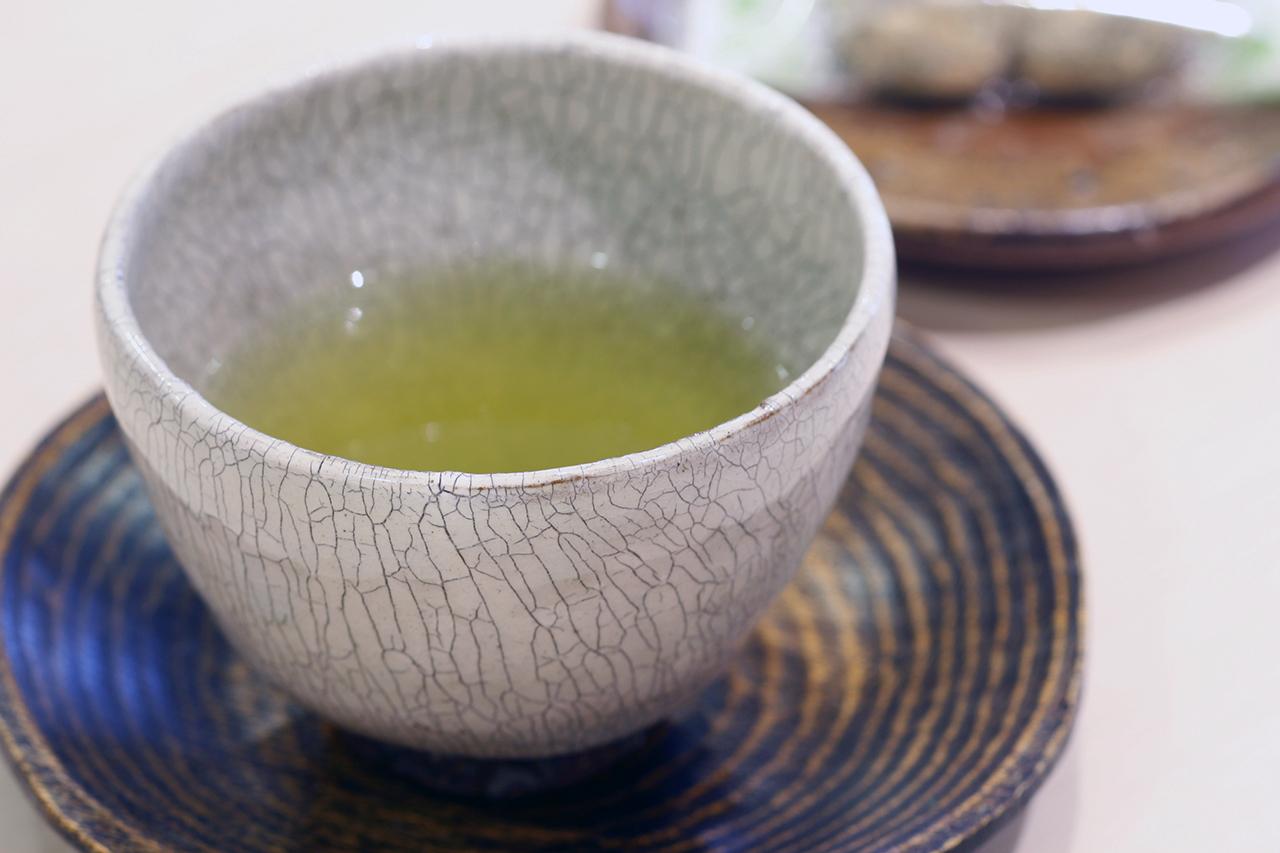 粉引氷雪白 汲出し碗 作:谷井芳山・谷寛窯(信楽焼)