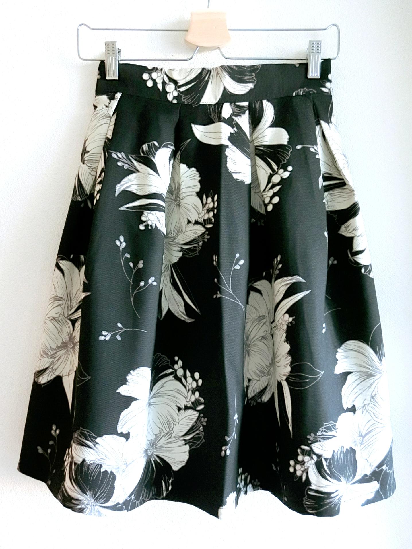 再再入荷★オトナ花柄のフレアスカート