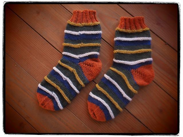手編みの靴下・シマシマ