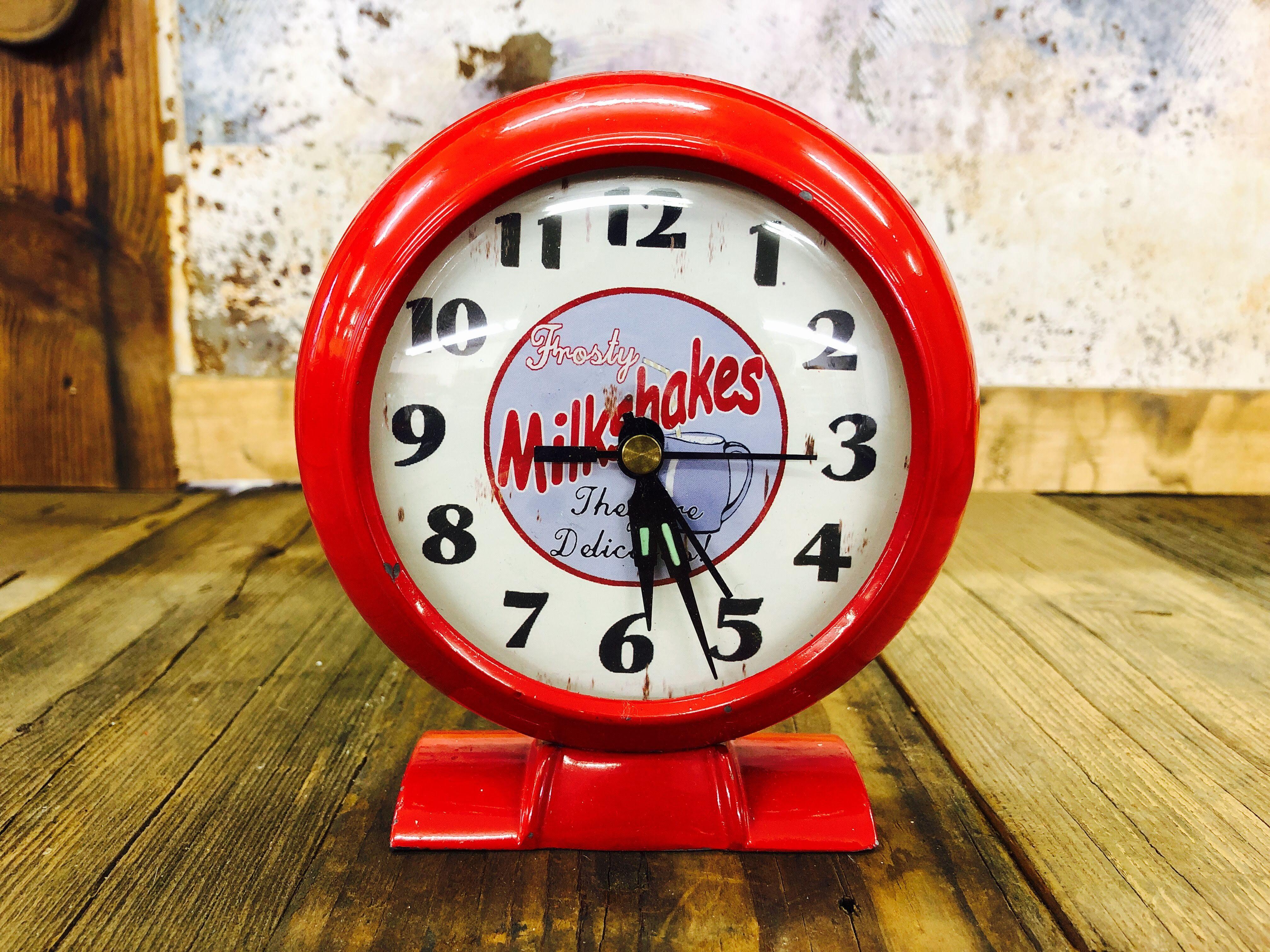 品番4875 置き時計 Frosty Milkshakes レッド インテリア アンティーク ヴィンテージ